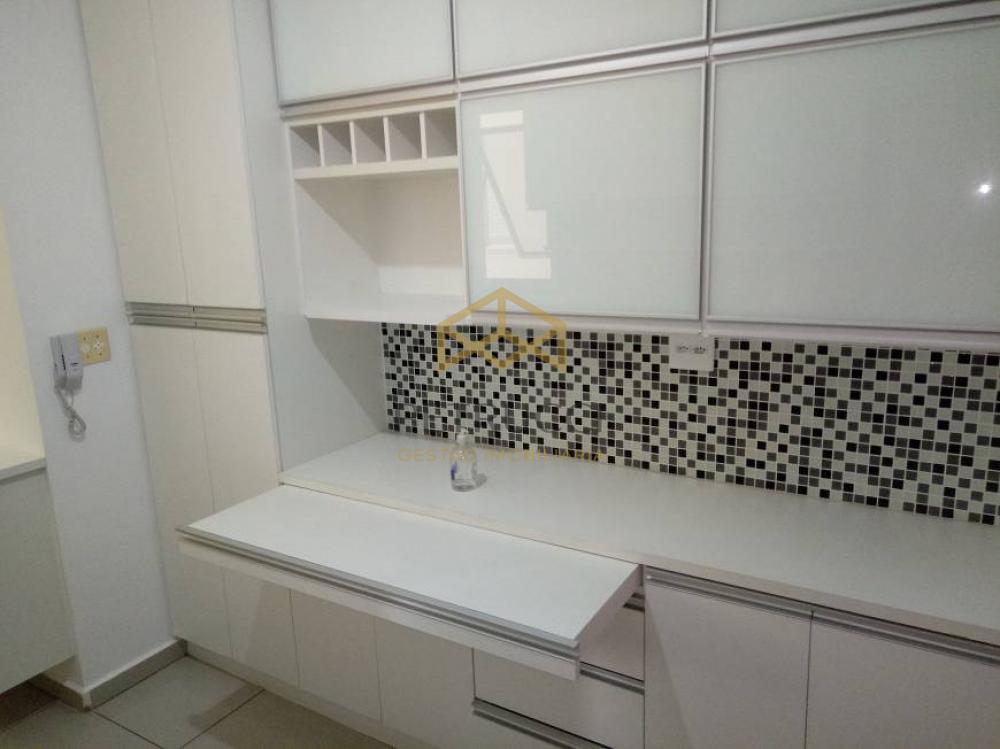 Comprar Apartamento / Padrão em Campinas R$ 390.000,00 - Foto 16