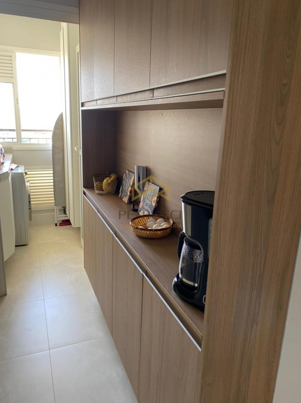 Comprar Apartamento / Padrão em Campinas R$ 1.060.000,00 - Foto 9