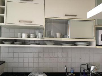 Alugar Apartamento / Padrão em Campinas R$ 3.000,00 - Foto 2