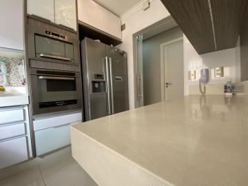 Alugar Apartamento / Padrão em Campinas R$ 3.500,00 - Foto 4